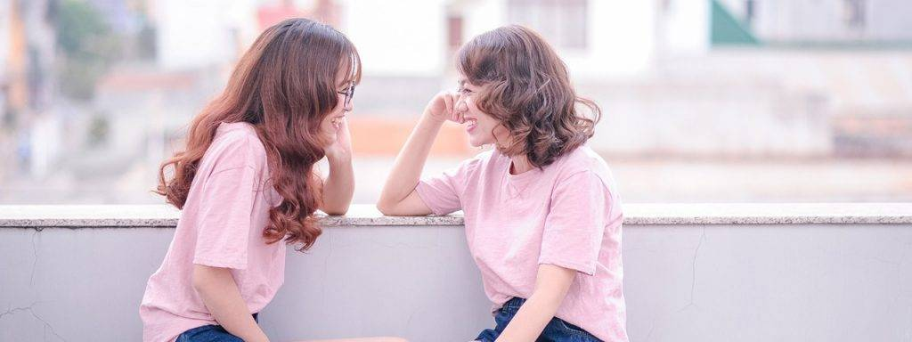 Young-Girls-Laughing-1280x480-1024x384